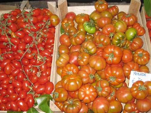 San Lorenzo Market: Tomatoes
