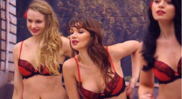 renault clio video ad Renault Clios Va Va voom brings Lingerie girls in Front of you : Prank Video