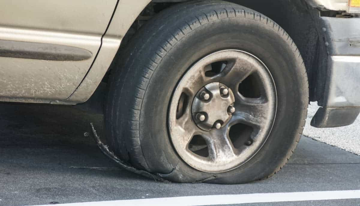 Lawyer Com Car Accidents Caused By A Tire Blowout