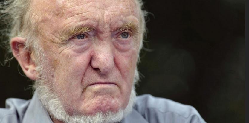 Né en 1925, passé par l'école Polytechnique, le généticien ALBERT JACQUARD était aussi un militant de gauche convaincu, adepte de la décroissance et favorable à une sortie du nucléaire. Auteur prolifique, et même parfois prolixe, il a signé des dizaines d'ouvrages de vulgarisation scientifique et d'essais consacrés à des sujets divers (politiques notamment). Il est mort ce 11 septembre 2013, à Paris. Il avait 87 ans. (MARTIN BUREAU / AFP)