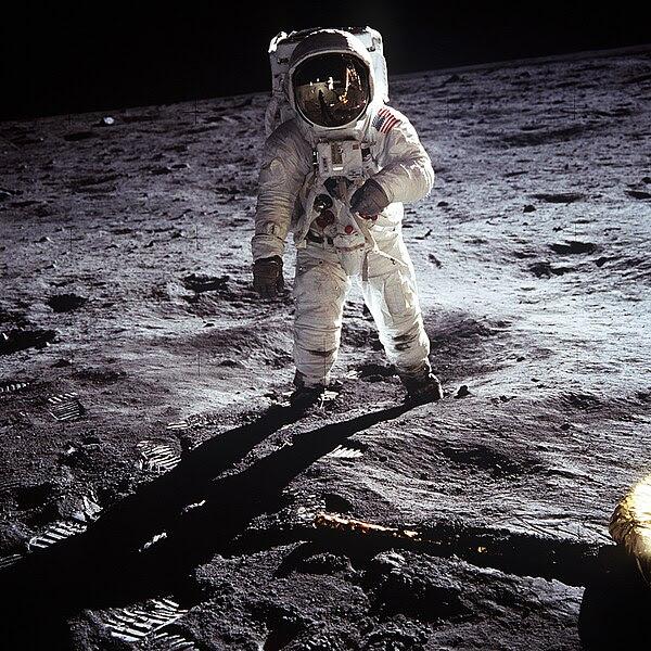 Dosya:Aldrin Apollo 11.jpg