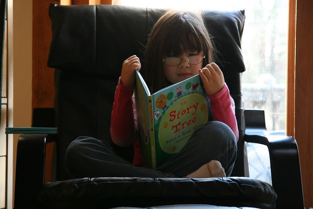 Dova reads Barefoot Books