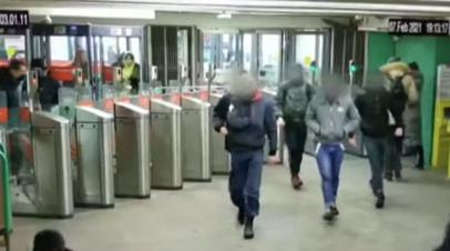 Директор дагестанской школы рассказала о бывших учениках после драки в метро в Москве