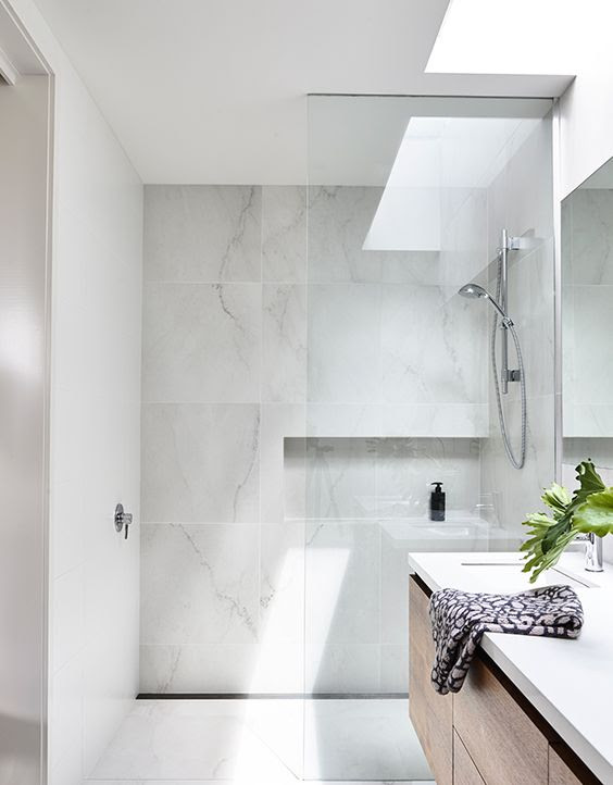 Master Bath Inspiration & Design: The Lady Laurier ...