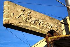 horner's neon sign