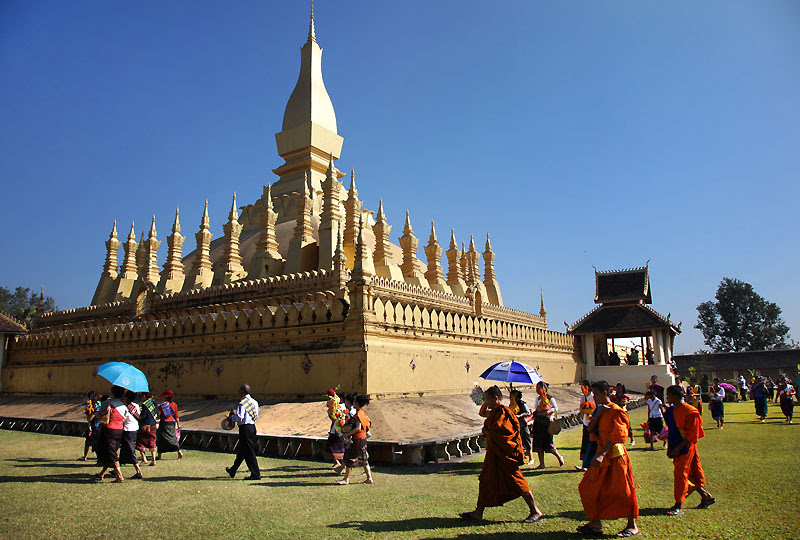09 That Luang Festival IMG_0182-w