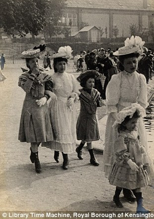 Paris, Tuileries Gardens, 4th June 1906