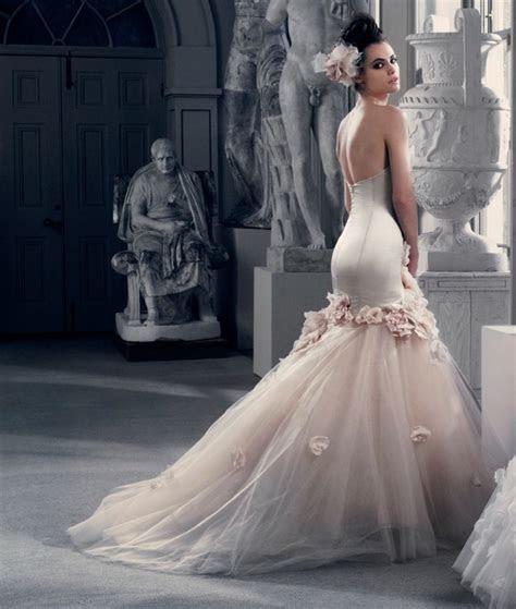 HUNTED: { Wedding Dress ? Couture Dresses }   theweddinghunter
