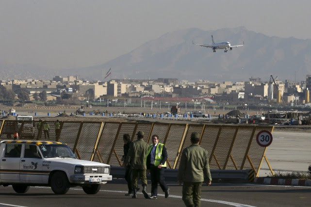 À Téhéran, les médias ont rapporté plusieurs cas... (Photo Vahid Salemi, Archives AP)