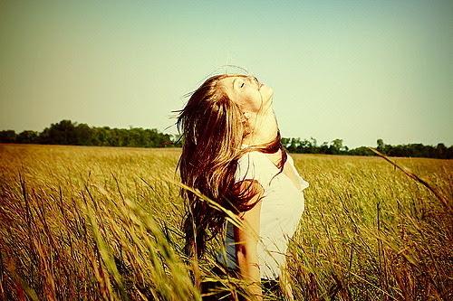 Lute pelo o que te faz feliz,sem se importar com o que vão dizer.Os sonhos são seus,a vida é sua,se você não correr atrás,ngm vai fazer isso por você