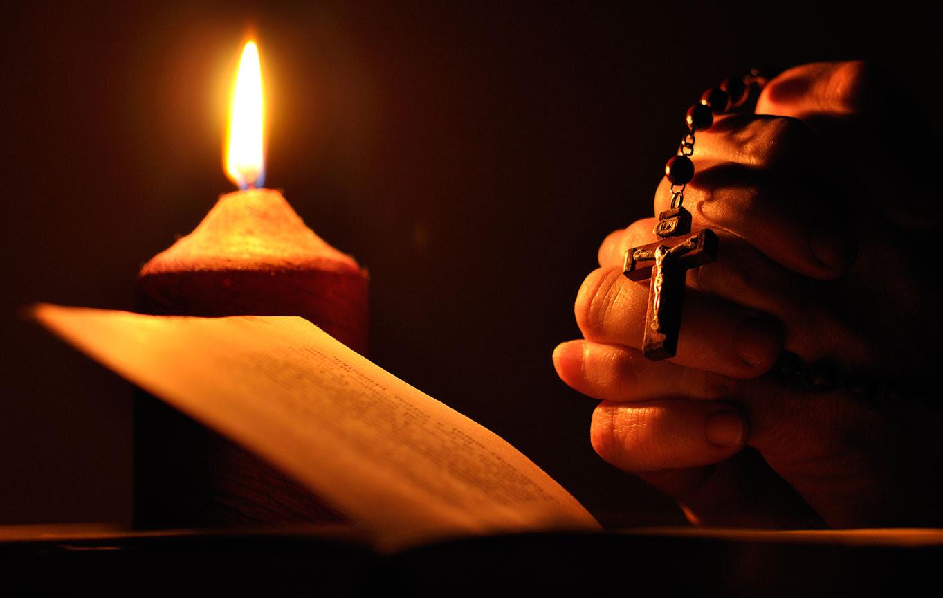Orar Por Los Vivos Y Los Muertos