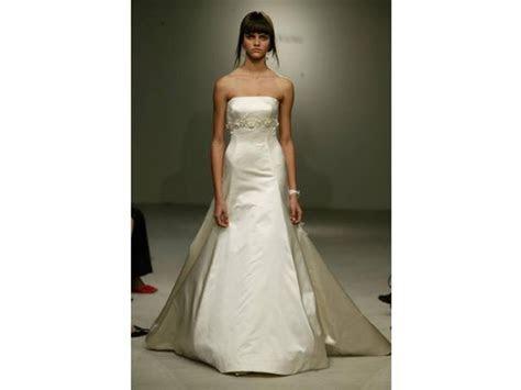 Vera Wang 12554LB, $1,000 Size: 10   Used Wedding Dresses