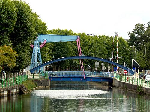 pont levant de Montceau les mines.jpg