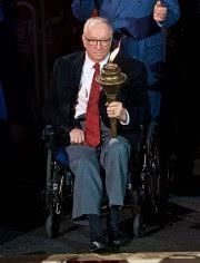 Jacques Demers a transporté le flambeau lors de... (PHOTO ANDRÉ PICHETTE, LA PRESSE) - image 2.0
