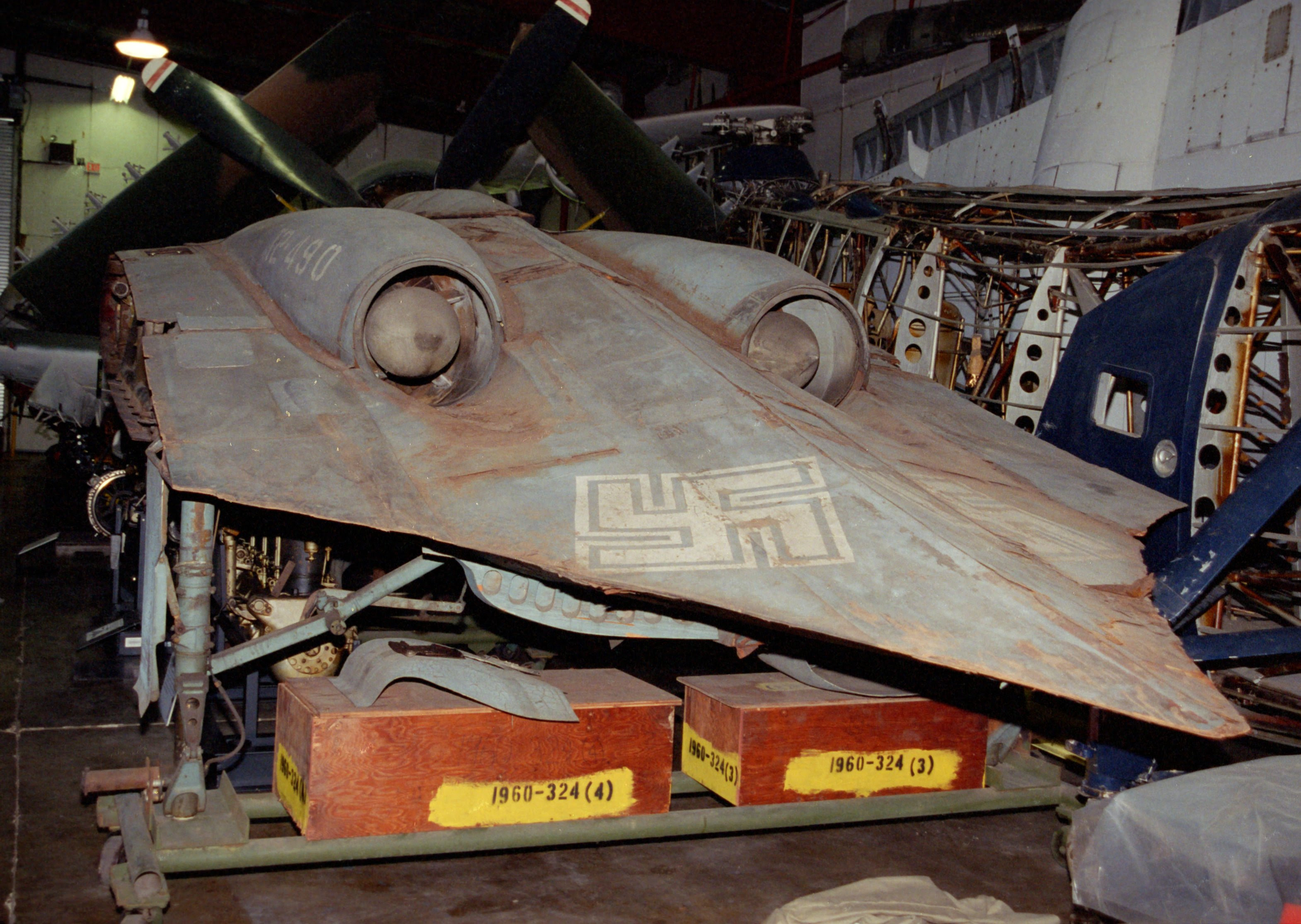 http://upload.wikimedia.org/wikipedia/commons/b/bf/Horten_Ho_229_Smithsonian_rear.jpg