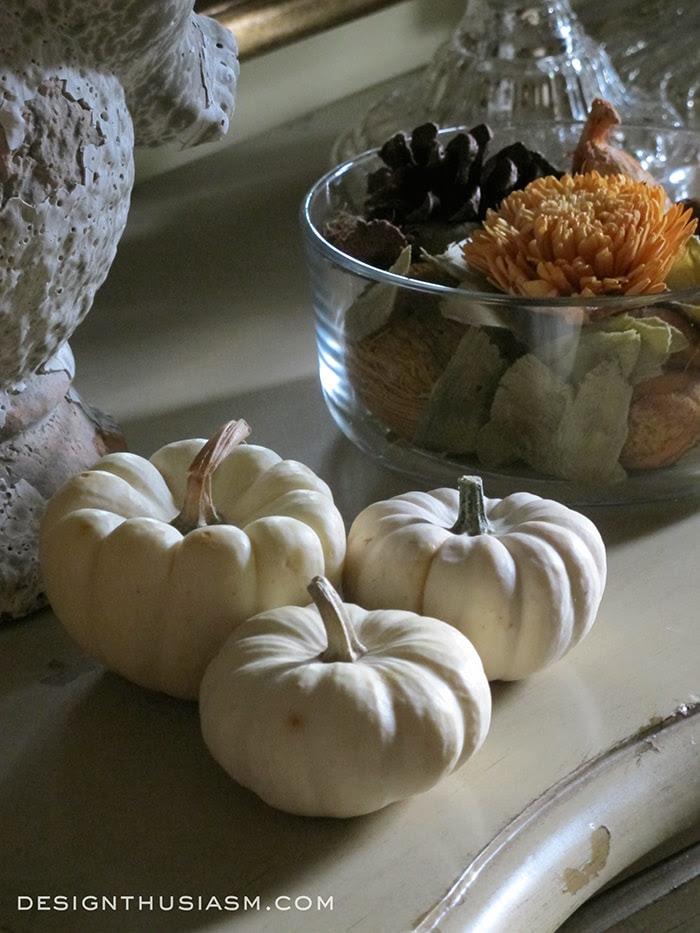 Create a Welcoming Fall Entry