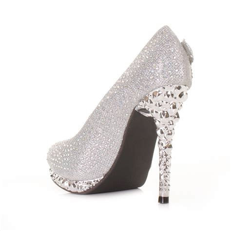 Silver high heels   deals on 1001 Blocks