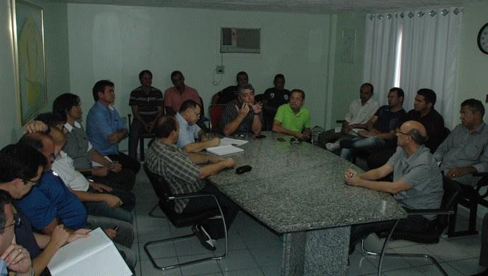 Reunião do Conselho Arbitral da Federação Paraibana de Futebol para a 2ª divisão do estadual (Foto: Pedro Alves / GloboEsporte.com/pb)
