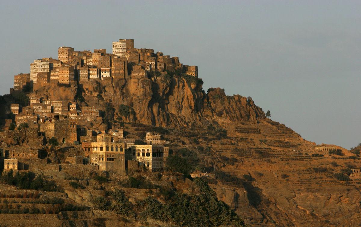 Al Hajjarah, a cidade da Idade Média com edifícios de vários andares 13