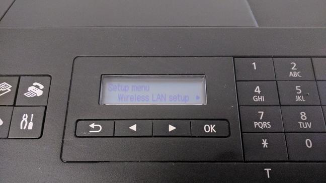 Acceso al menú de configuración de LAN inalámbrica en una impresora Wi-Fi