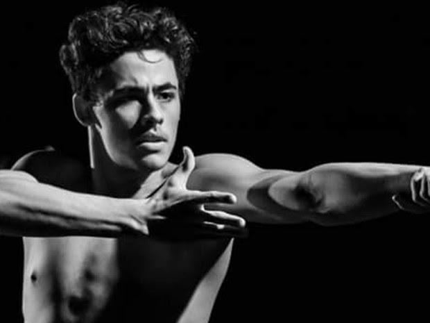 Gabriel começou a etudar ballet aos oitos e, aos 18, se formou no Ballet Bolshoi (Foto: Gabriel Lopes/ arquivo pessoal)