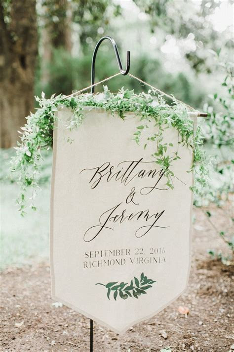 Linen Wedding Welcome Sign   This simple welcome banner is
