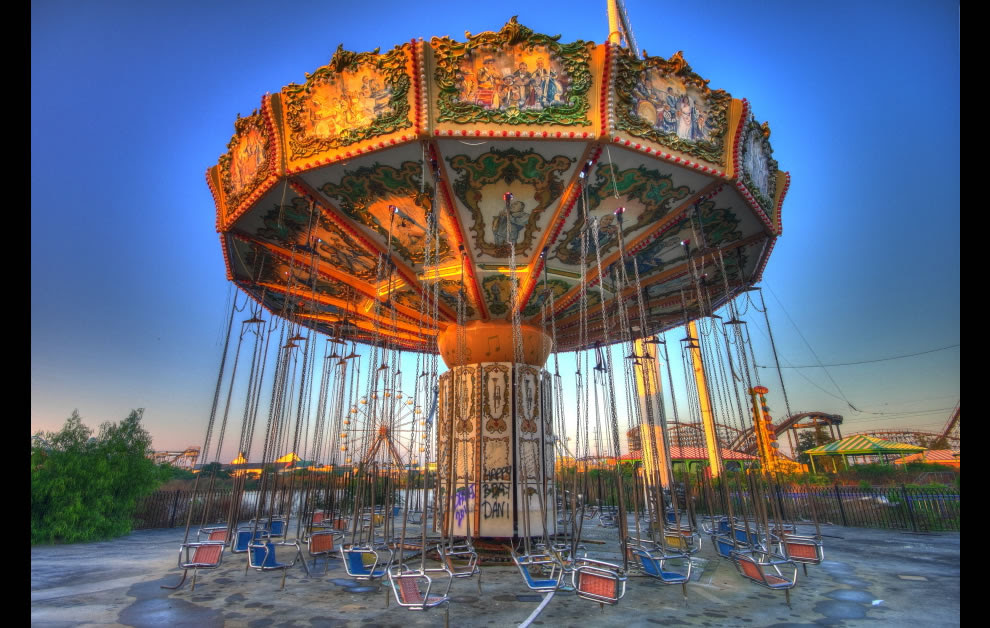 6 years after Katrina - abandoned Six Flags New Orleans
