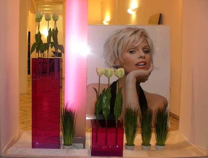 Schaufensterdekoration friseur deneme ama l - Schaufenster dekorieren ideen ...