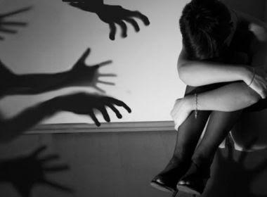 Com aval da mãe, seis irmãs com idades entre 7 e 15 anos são estupradas por parentes