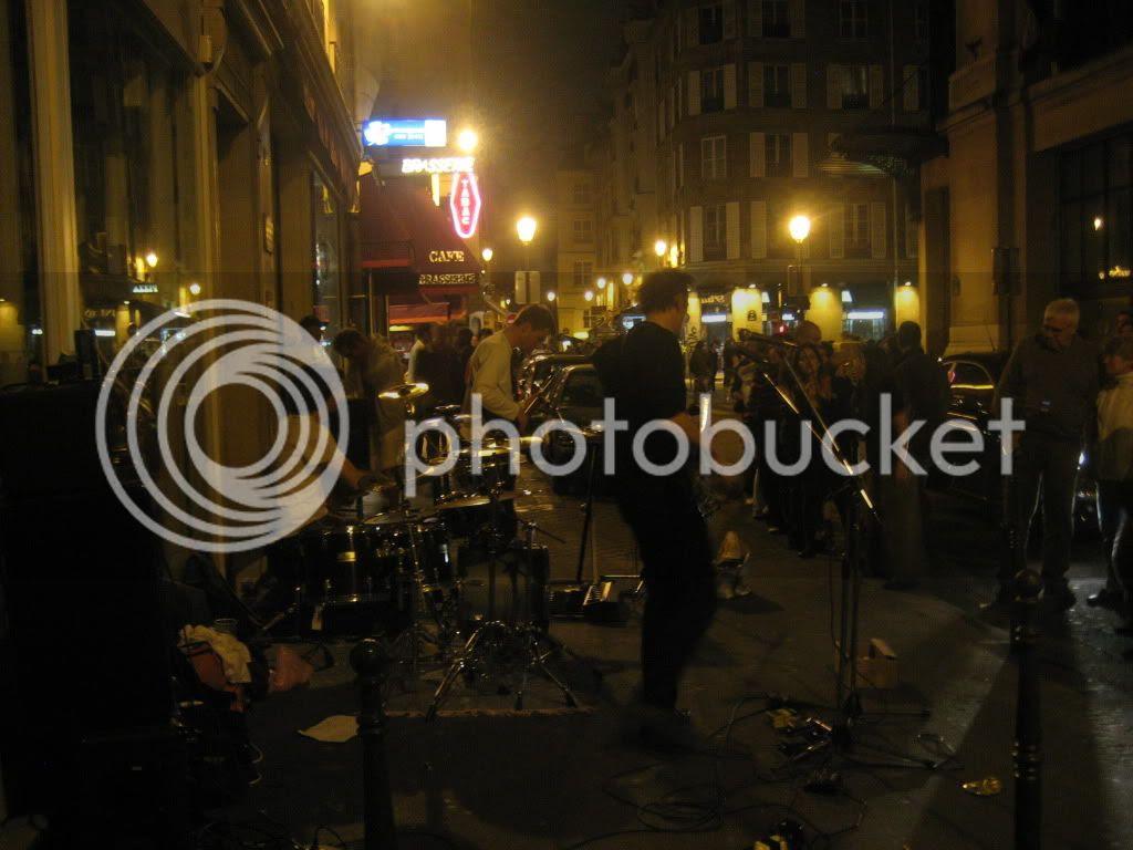 The Arkitekts still playing hours later @ La Fête de la Musique, Paris