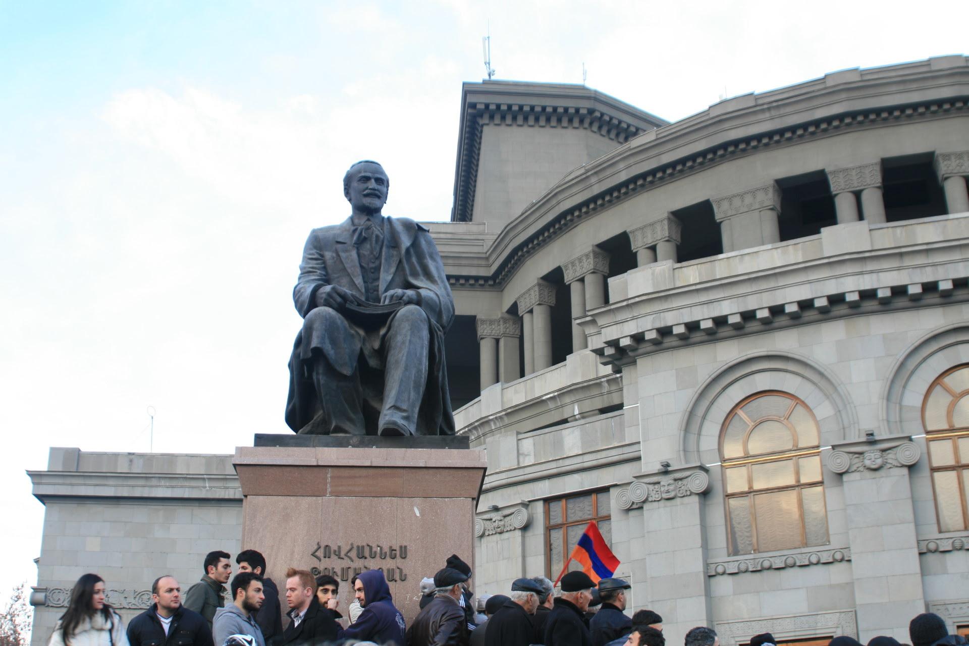 http://www.armenianweekly.com/wp-content/uploads/2013/02/IMG_8450.jpg