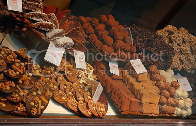 Chocolate Shop: A Halloween Nightmare [enlarge]