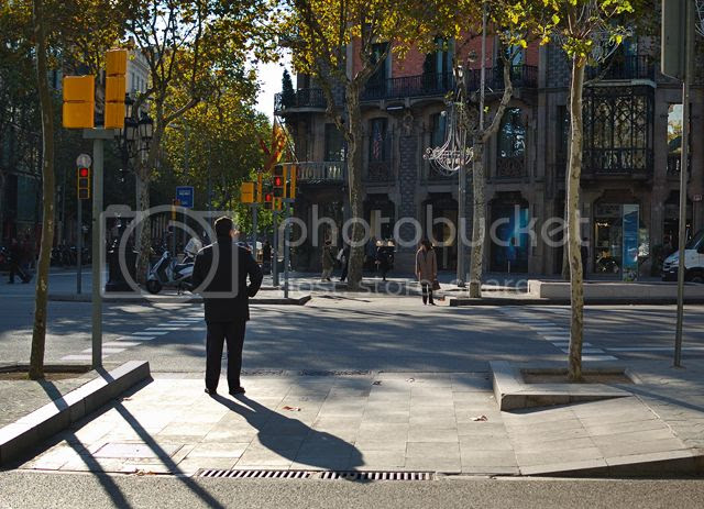 Crosswalk at Passeig de Gracia, Barcelona [enlarge]