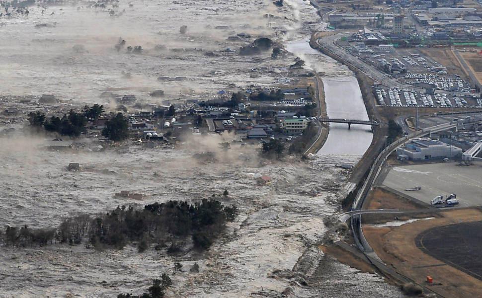 Terremoto provocou tsunami ao longo de Iwanuma, norte do Japão Leia Mais