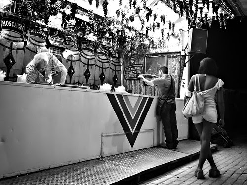 Miradas-1 por Juan R. Velasco