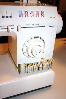 photo SewingMachinePinCushion6_zps3698e4e5.jpg