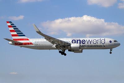 American Airlines Boeing 767-323 ER WL N343AN (msn 33082) (Oneworld) MIA (Ariel Shocron). Image: 922417.