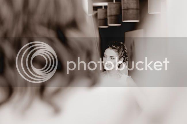 http://i892.photobucket.com/albums/ac125/lovemademedoit/PandS_FarmWedding_003.jpg?t=1303228606