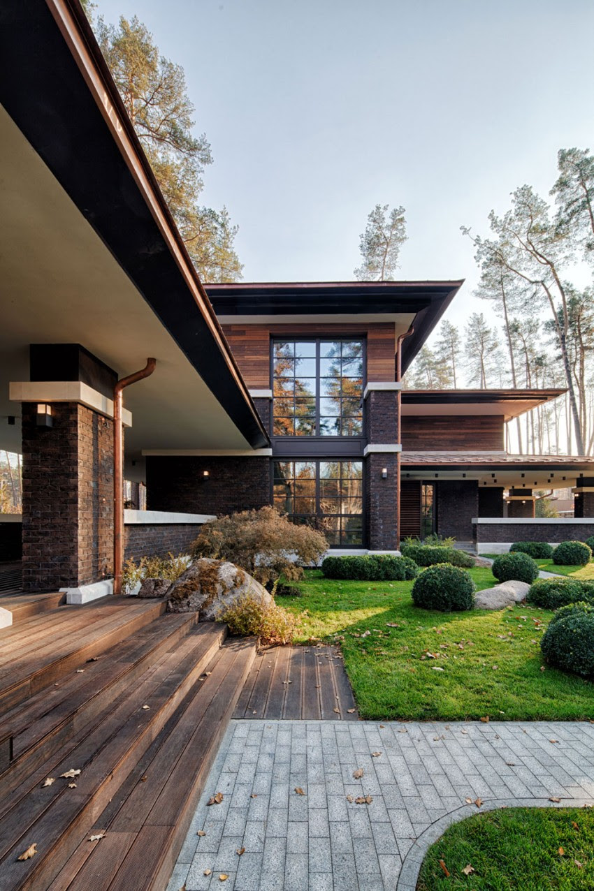 A Contemporary Prairie House by Yunakov Architecture in