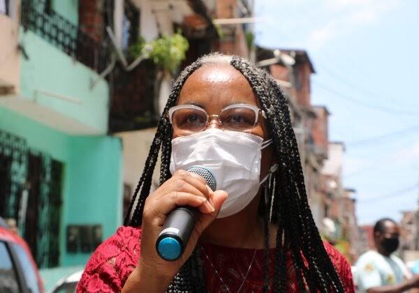 Decisão do TRE de proibir eventos presenciais beneficia poderosos, diz Olívia