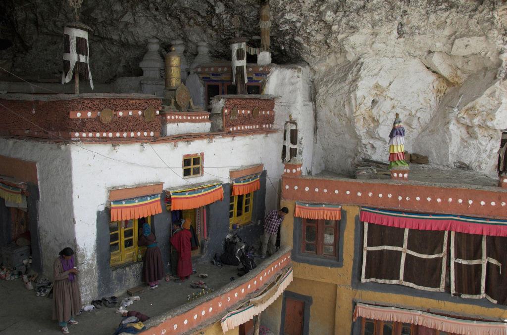 O enigmático Monastério de Phugtal, na Índia 05