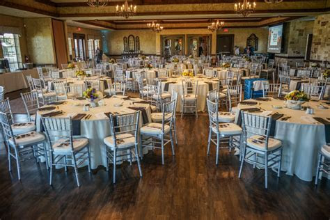 The Oaks Event Center   Burleson, TX Wedding Venue