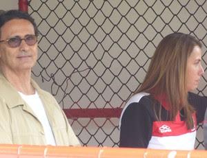 Patrícia Amorim e Hélio Ferraz em treino na Gávea flamengo (Foto: Vicente Seda / GLOBOESPORTE.COM)
