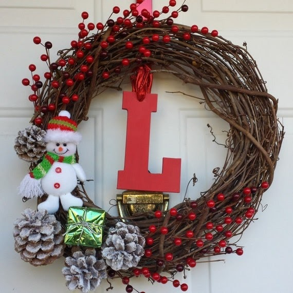 Snowman grapevine wreaths christmas wikii - Admirable christmas wreath decorating ideas to welcome the december ...