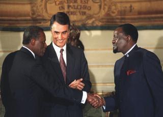 UNITA: Declaração alusiva ao 23º aniversário da assinatura dos Acordos de Bicesse