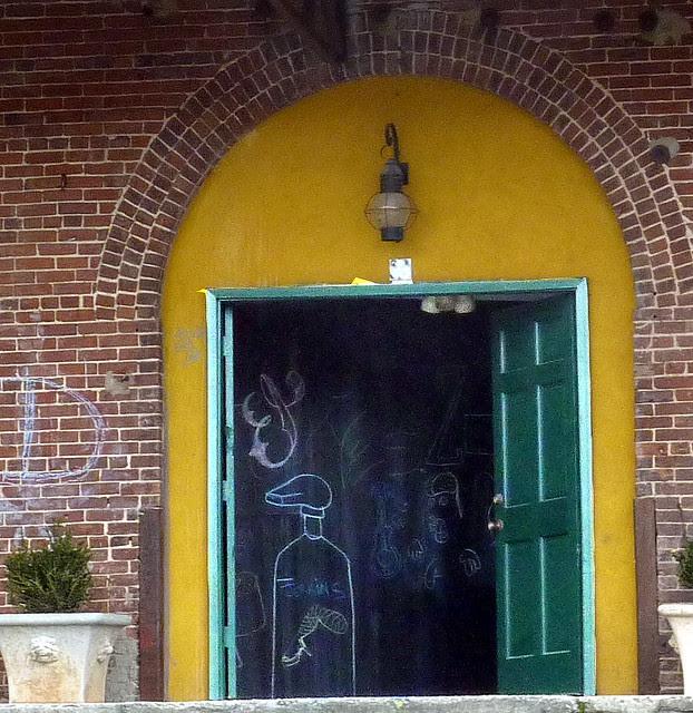 P1030896-2012-01-12--Virginia-Cotton-Docks-Beltline-Doors-Green-Mustard-Arch-detail