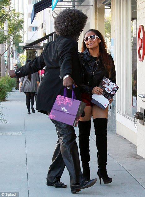 Fazer compras até cair: Raven-Symone lojas visualizadas em Beverly Hills