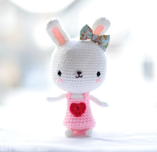Amigurumi Valentine Teddy Bear Part Two : Ami Amore: 8 Free Amigurumi Patterns for Valentines Day!
