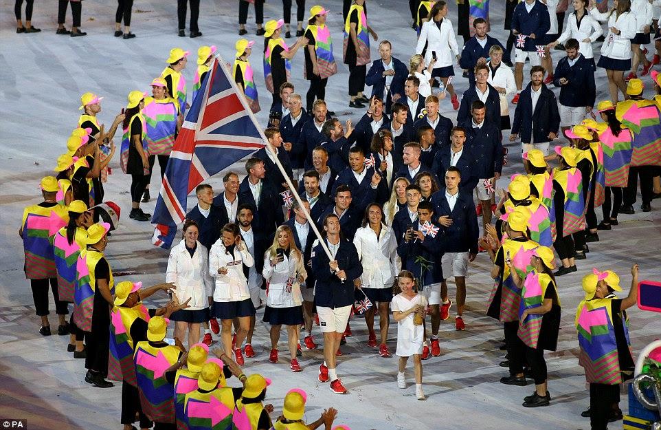 A equipe britânica vai estar olhando para ir para casa com ouro durante os Jogos Olímpicos, que oficialmente apostaram durante a cerimônia
