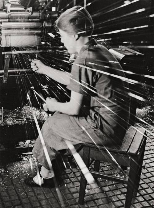 luzfosca:  Paul Wolff and Alfred Tritschler Cellophane Worker, 1937